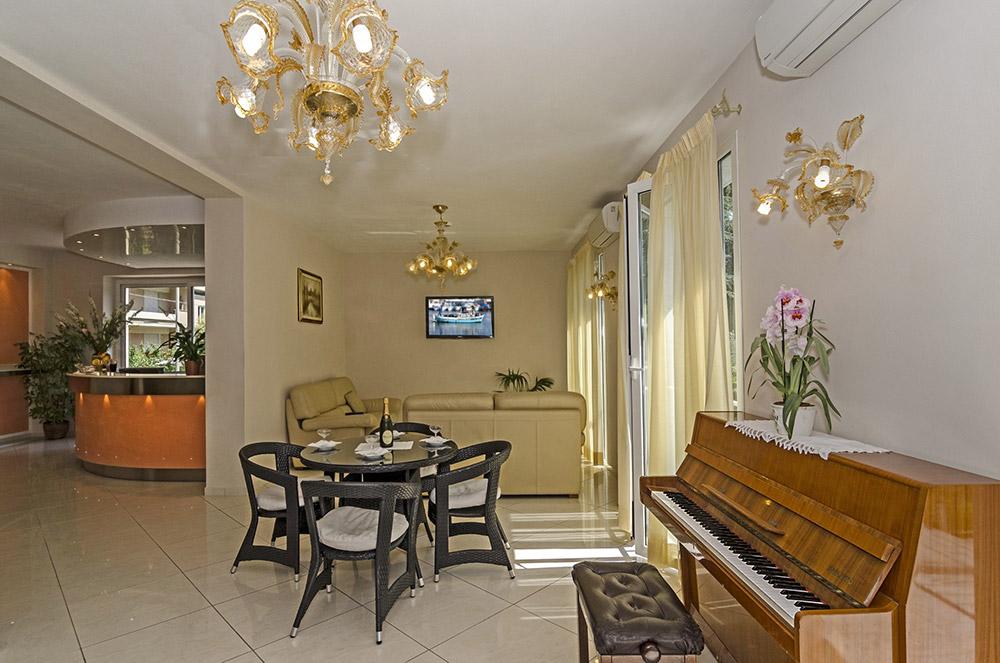 leistungen des hotel lido in marina di massa 3 sterne hotel. Black Bedroom Furniture Sets. Home Design Ideas